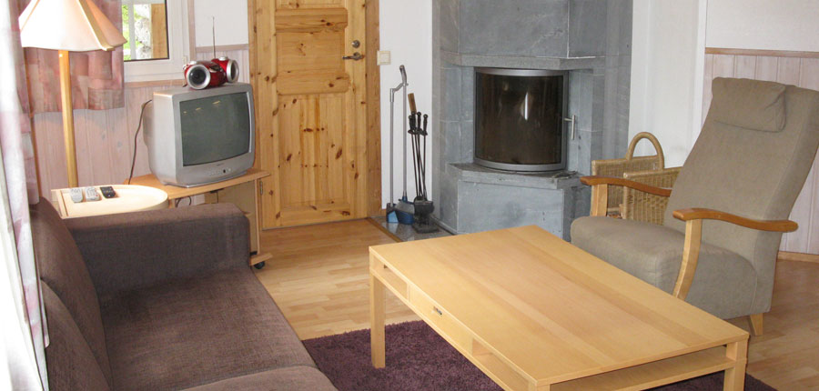 Finland_Saariselka_saariselka_log_cabin_loung6.jpg